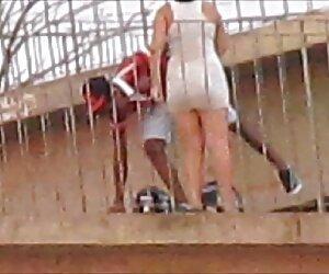 Culo grande, tetas grandes, novia videos sexo tetas real juega en una piscina!