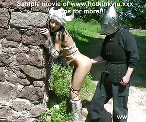 Mira a RoxxyX MaryWet y Celina Davis negras culonas y tetonas xxx seduciendo a un afortunado