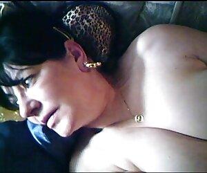 Tricky Old tetona montando Teacher - Nena irresistible seduce