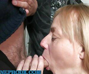 Belleza mujeres mayores tetonas amordazada manoseada y dominada