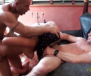 alexia sedujo a negro para chuparle videos de tetonas masturbandose la polla