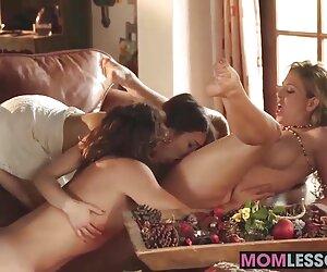 Tres lesbianas cachondas se lamen y se juegan en la cárcel negras culonas y chichonas