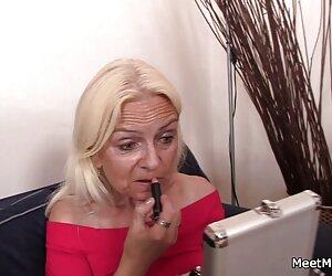 ¡La tutora cachonda de milf Julia Ann leche de tetas chupa y se folla a su alumno!